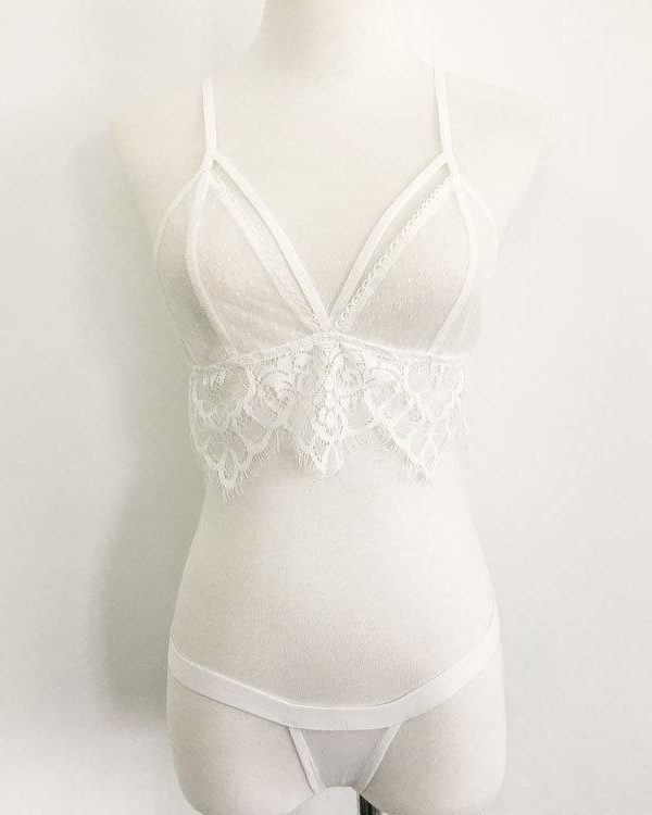 Seductive White Two-Piece Lace Lingerie Set With Cross Strap Bra And Briefs
